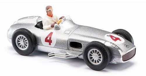 87 MB Silberpfeil + Figur Fangio NH2020(01)