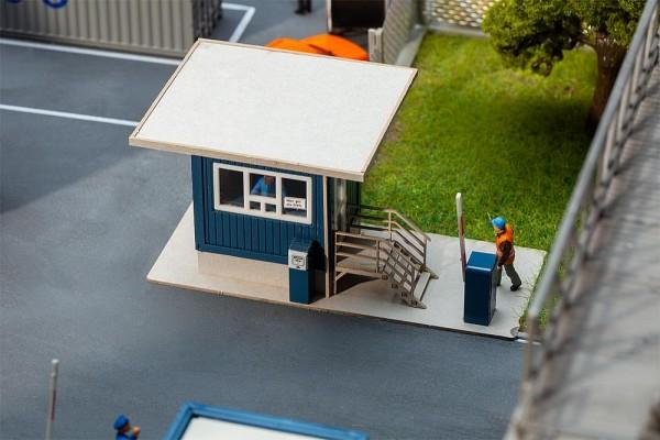 H0 Pförtnerhaus mit Dachüberstand