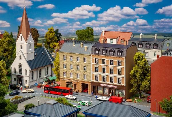 N Stadthäuser (Apotheke +Delikatessen)